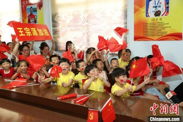 奥运小将王宗源来自湖北襄阳 4岁开始学习体操