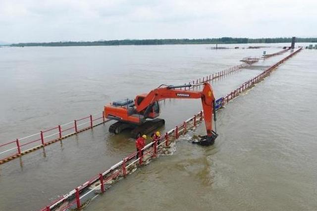 千里汉江超警戒水位 207名县级以上干部带班巡堤