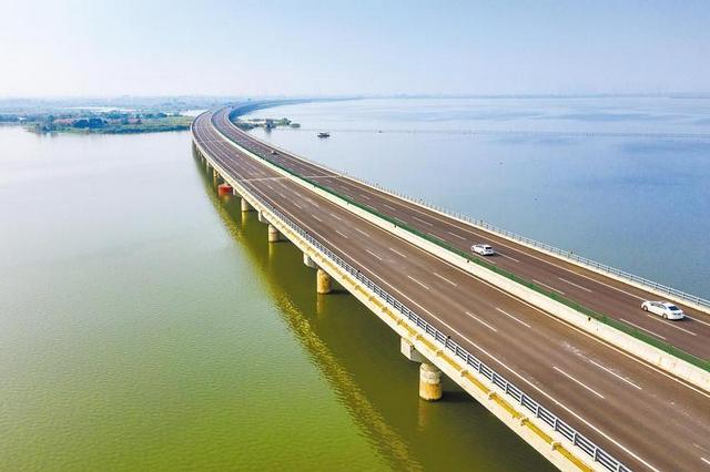 湖北25天开通8条高速 惠及700万群众