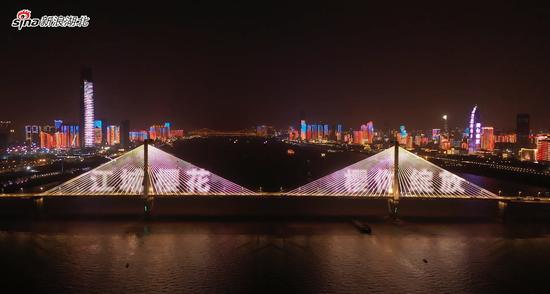 长江二桥灯光秀