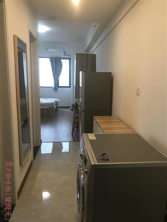 图为:新地东方广场空置的大学生人才公寓