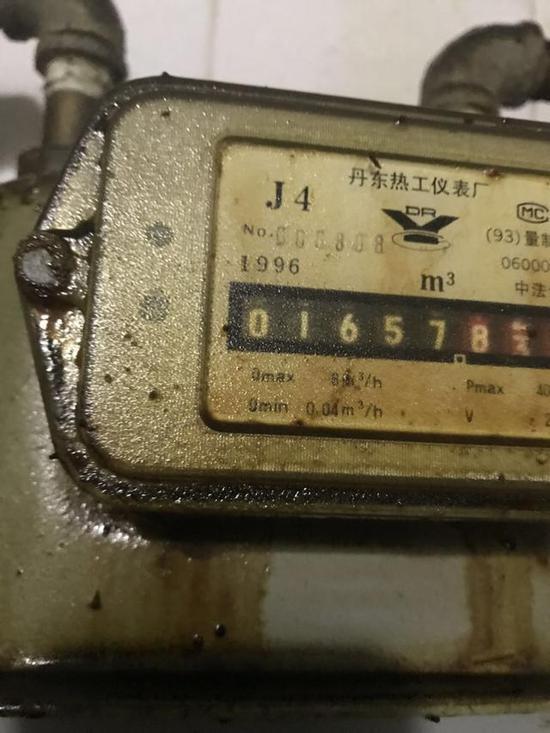 图为1996年生产的燃气计量表(赵先生供图)