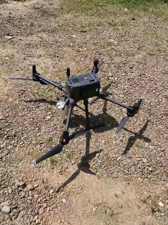 无人机被成功迫降于变电站安全区域内