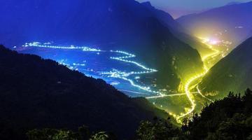 """兴山""""三峡水上公路""""景色迷人"""