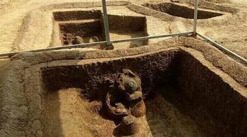荆门发掘大型新石器时代墓葬群