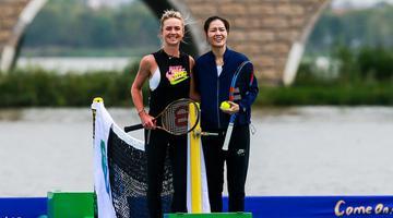李娜与乌克兰名将首次水上挥拍