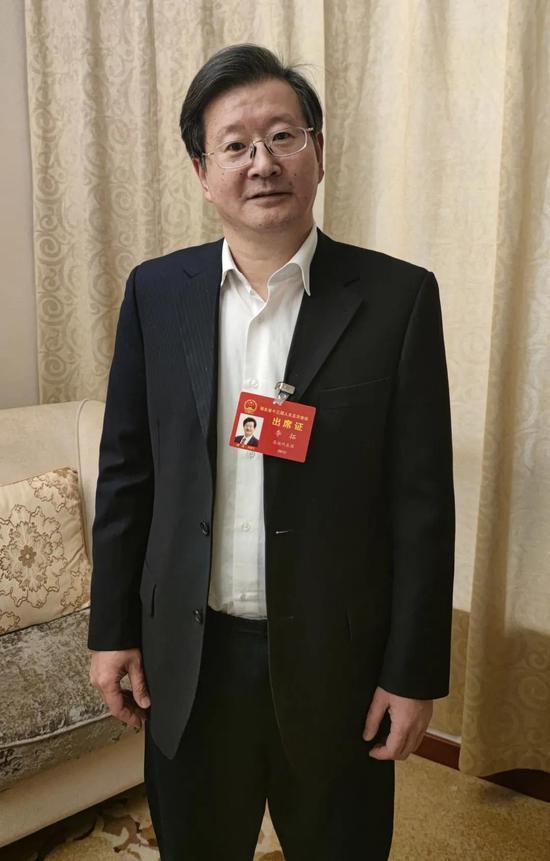 省人大代表、恩施州中心医院党委书记李拓(湖北日报见习记者 金凌云 摄)