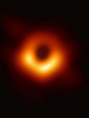 人类首张黑洞照片亮相