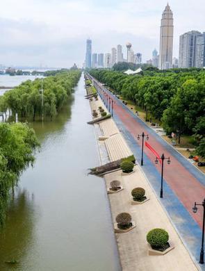汉口江滩公园8月10日恢复开放