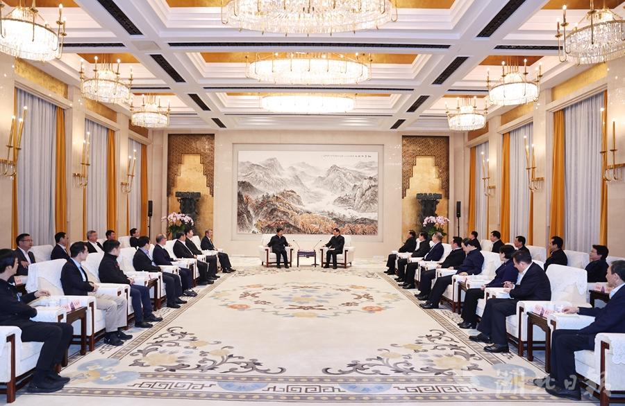 第五届楚商大会今日在汉开幕 楚商云集为湖北再加油