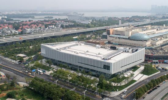▲这是6月25日拍摄的军运会媒体中心(无人机拍摄)。新华社记者程敏摄