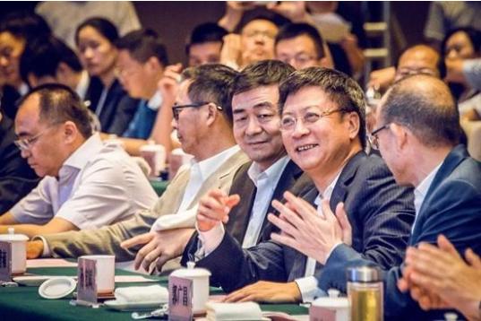 武汉举行招商引资大会民营企业专场 签约总额2260亿