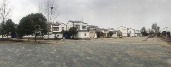 凤凰镇整治农村环境