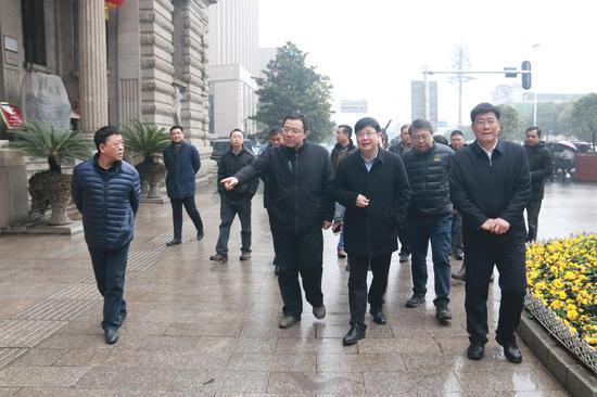 重庆市城管委考察江汉区城市管理工作