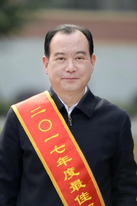 邓万想市住房保障房管局局长、党组书记