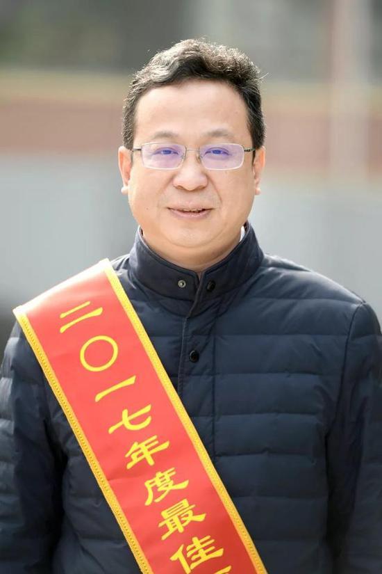 雷鸣汉正街控股集团董事长、党委书记