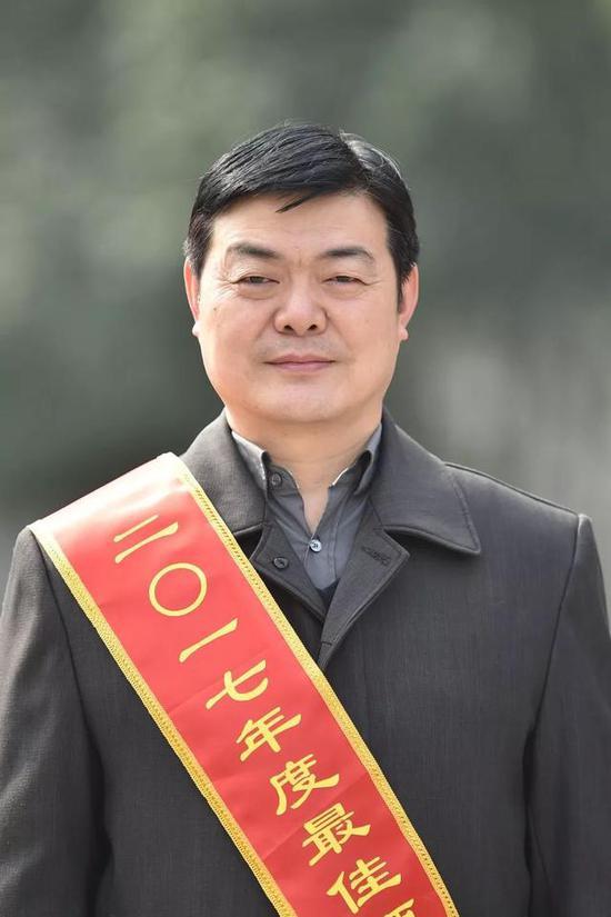 翟玉峰市招商局专职副局长