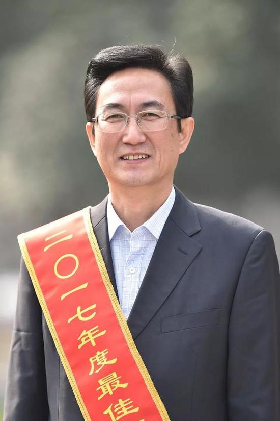 关维强东湖新技术开发区管委会副主任(正局级)、工委委员