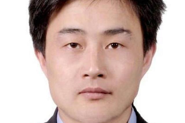 武汉一民警连续加班后昏倒不治 还有3天才满43岁