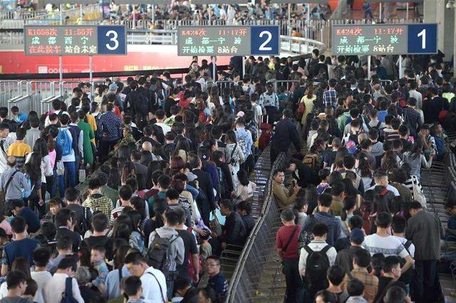武汉三大火车站单日旅客发送量创同期新高