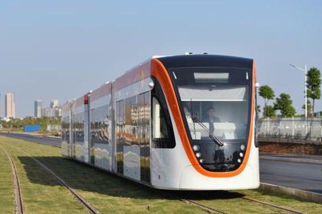 武汉光谷有轨电车18日进行免费试乘体验