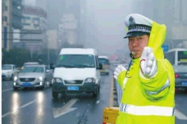 湖北4万余民警坚守岗位 24小时值班备勤保春节平安