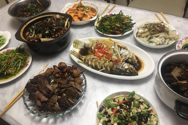 狗年春节年夜饭调查 北上广人均消费100至150元