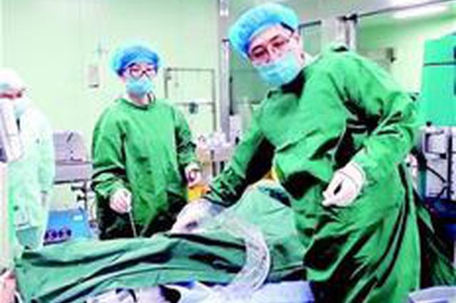 患者突发心肌炎垂危 武汉医生除夕驱车300公里救人