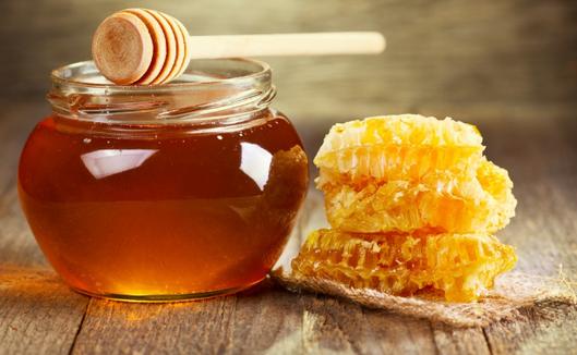 三类人不宜吃蜂蜜