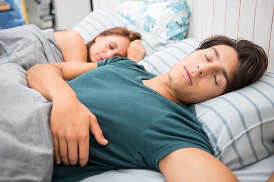 越累越睡不着是怎么回事