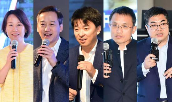"""医疗机器人""""创新专场演讲嘉宾:从左到右 林榕,李滨,潘晶,蒋化冰,张华威"""