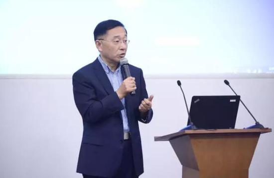 中欧国际工商学院卫生管理与政策中心主任 蔡江南教授