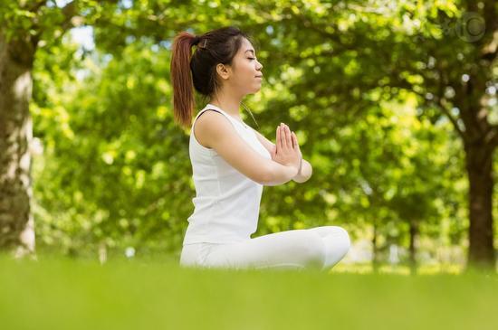 每天冥想一小时 有效缓解大脑老化