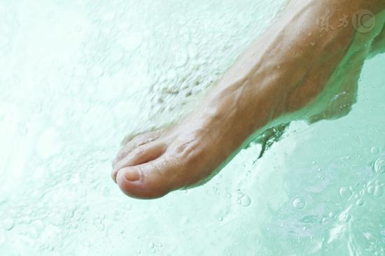 泡脚加点它促进血液循环