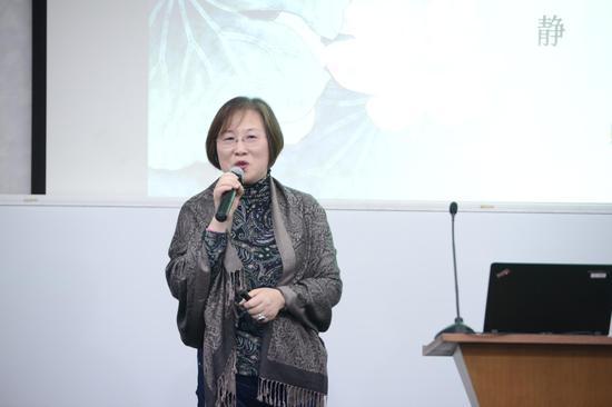 上海中医药大学的法律教研室主任,张静
