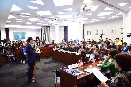合理用药,如何实现?—记第期30卫生政策上海圆桌会议
