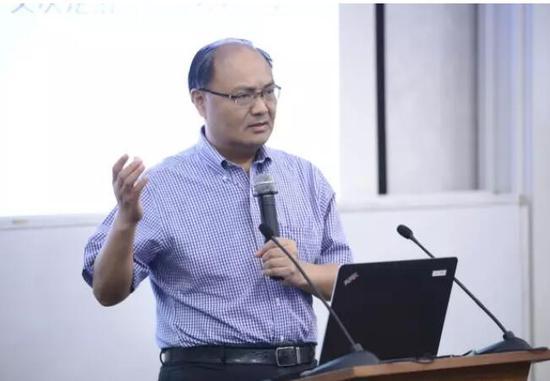 福州总医院信息化专家委员会办公室主任 陈金雄