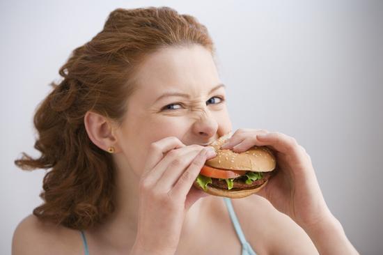 怎么区分<a href='http://health.sina.com.cn/disease/ku/00306/' target='_blank'>咽炎</a>和食道癌