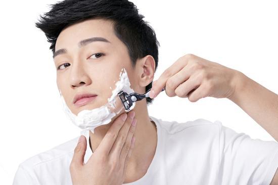 刮胡子频率会影响寿命