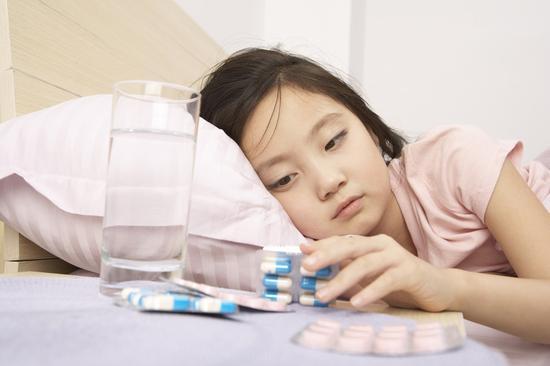 中國兒童用藥之困:每年10萬孩子死於「缺葯」|兒科|藥品
