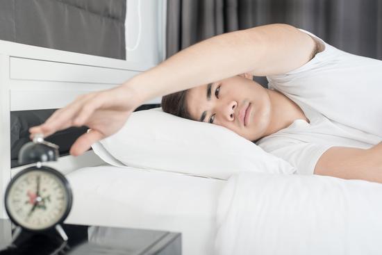 你这个年龄每天睡几小时最好