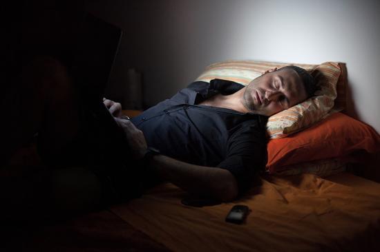 做这十件事堪比慢性自杀 失眠 荔枝 桑拿