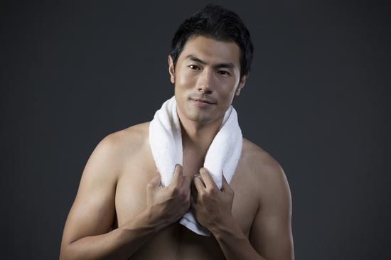 一条热毛巾能顶半个老中医