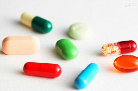 药片为什么花花绿绿