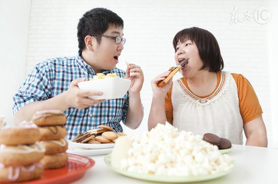 吃太飽易撐出10種病|吃飽|神經衰弱|骨質疏鬆