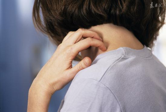 长一种疹或是<a href='http://health.sina.com.cn/disease/ku/01048/' target='_blank'>癌症</a>前兆