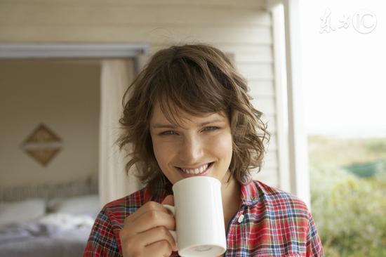 早晨起床第一杯喝什么水最好