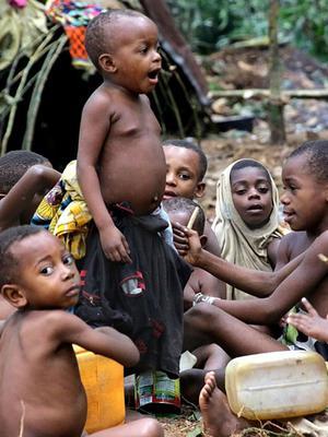 这个部落土著寿命短 平均身高1米3