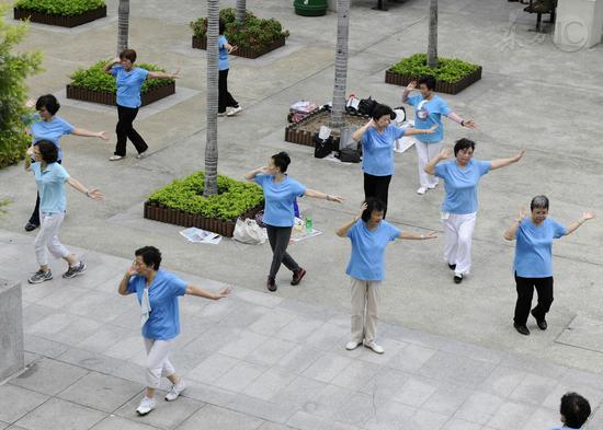 广场舞有了科学依据? 研究称跳舞可延缓大脑衰老