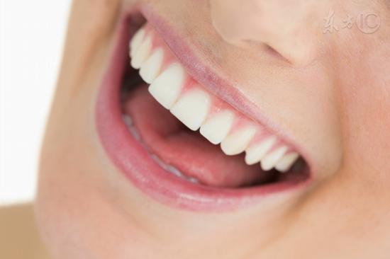 医师养生小秘密:半年或一年洗一次牙